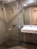 cần bán căn hộ 2pn 876m2 tòa novo kosmo tây hồ view sát bể bơi giá 32tỷ em ly 0945351094
