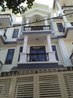 bán 3 căn hxh ngay phạm văn đồng dt 45m17m xây 3 lầu sân thượng đối diện gigamall