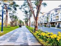 nhà phố verosa khu compound nhà mới 100 an ninh dân trí cao cấp chiết khấu 18 tặng 2 năm pql