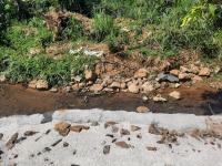 2700m2 trước mặt là suối 33m mặt đường bê tông khu vực lên được thổ cư