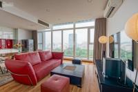 bán nhanh căn 2 pn căn hộ the one sài gòn 119m2 full nội thất view bitexco có sổ hồng