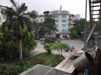 cc cho thuê toà nhà 6 tầng mp đội cấn dt 180m2 mt 9m thang máy tiện kinh doanh giá 125tr