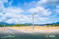 bán đất nền ngay trung tâm thị trấn đối diện chợ bến xe gía chỉ từ 450 triệunền ck lên đến 12