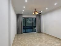 cho thuê toà nhà 6 tầng dt 80m2 mp trần duy hưng thiết kế thông sàn tiện kinh doanh giá 74trth