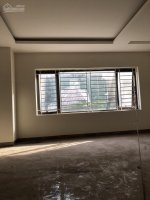có căn nhà 45 tầng mới xây đang hoàn thiện tại tổ 13 phường bồ đề long biên tiện kinh doanh