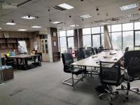 Cần thuê tòa nhà văn phòng có hầm, thang máy diện tích trên 130m2, mặt tiền trên 6m