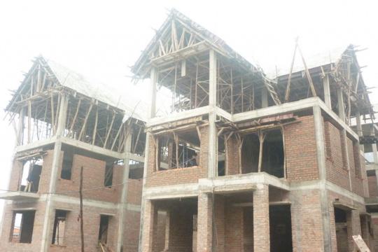 Dự án hoàn tất về cơ sở hạ tầng và đang triển khai xây thô chung cư và biệt thự