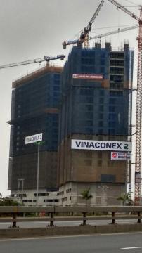 1 tòa đang thi công tới mặt sàn tầng 22, 1 tòa đang thi công tới mặt sàn tầng 25