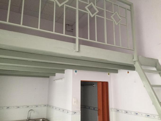 Cho thuê phòng trọ rất đẹp, có gác rộng, tủ bếp, WC riêng, gần Lotte Mart Q. 7