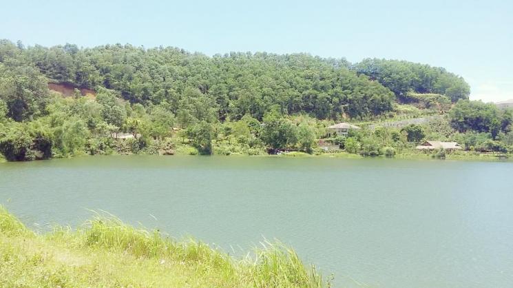 Cảnh hồ suối Bơn