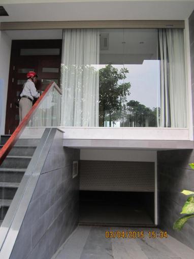 Cho thuê nhà nguyên căn mặt tiền đường số KDC Him Lam, 5x20m, hầm, trệt, 3 lầu, giá 35 triệu/tháng
