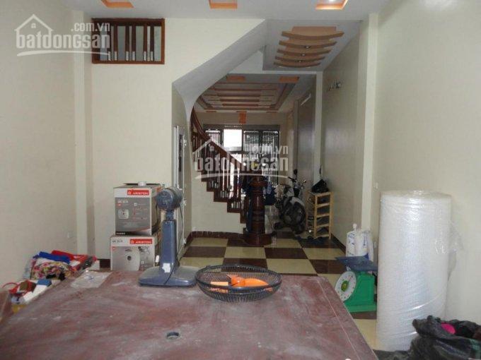Nhà phân lô ngõ 9 trần quốc hoàn, 52m2 x 5 tầng, mặt tiền 5m. giá 15.5tr/th