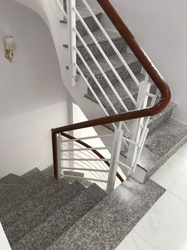 Tôi cần cho thuê nhà nguyên căn tại thủ đức, mới xây, 4pn,150 m2 lh:0888881984