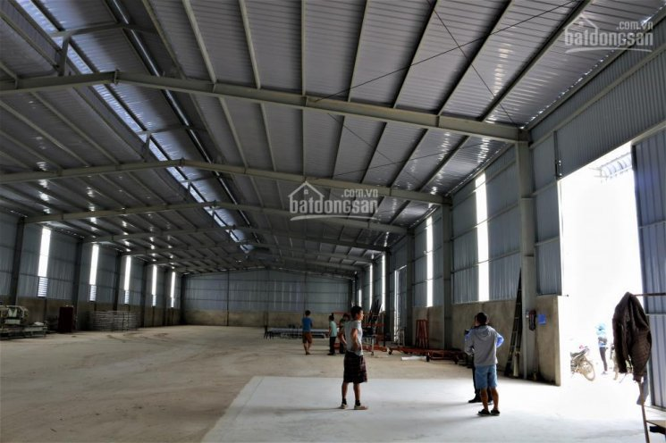 Cho thuê 2100m2 kho xưởng nằm trong KCN Nguyên Khê. Vị trí mặt đường lớn cực thuận lợi