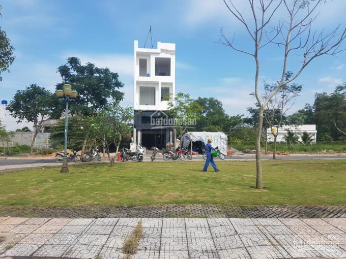 Đất nền Bình Chánh ngay UBND Phong Phú MT Trịnh Quang Nghị, 5x20m, 100m2, LH 0933049891