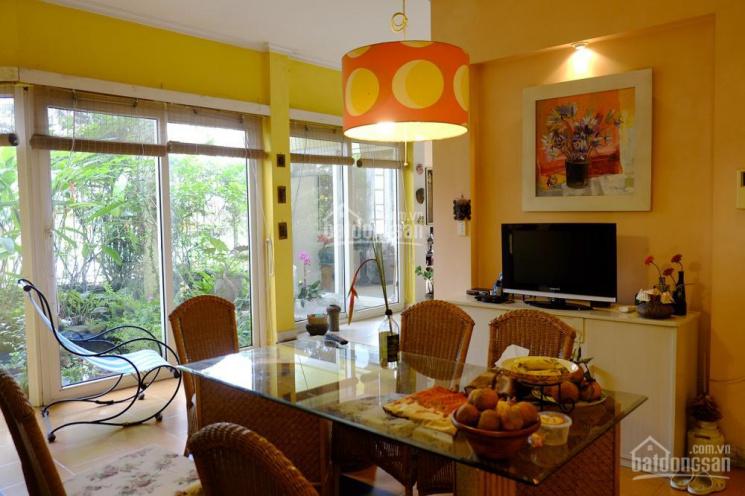 Cho thuê căn chung cư 671 Hoàng Hoa Thám, 90m2, 2PN, 2WC, giá 10 tr/tháng: 0904943156