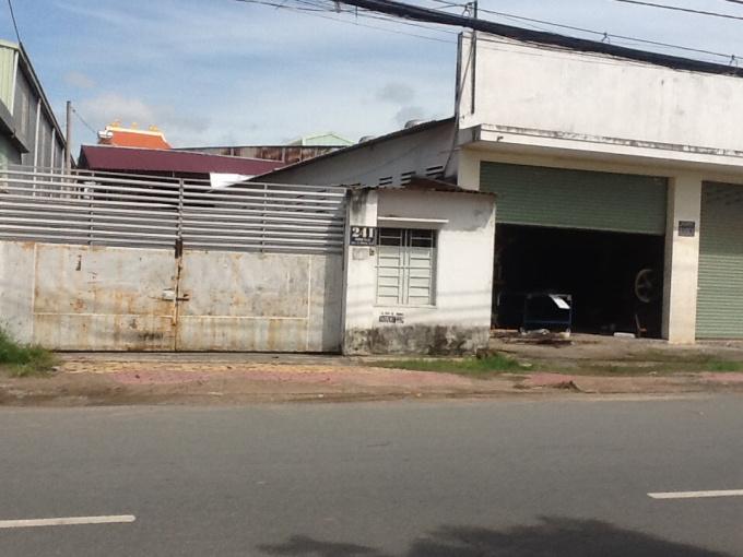 Bán gấp nhà kho thuộc đường Bà Hom, Quận 6
