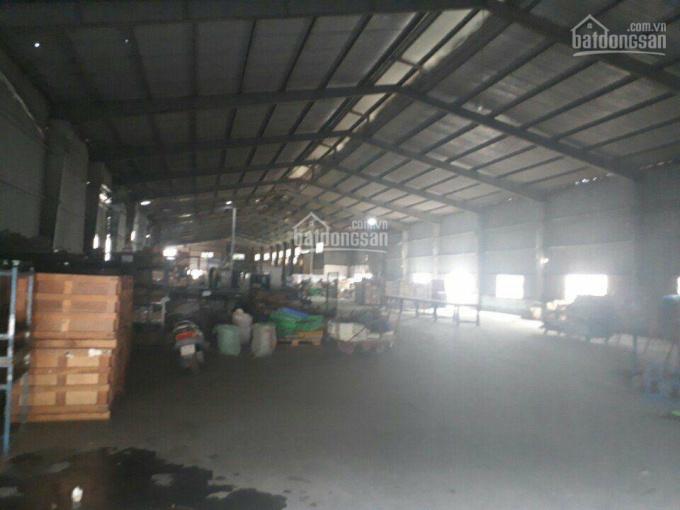 Cho thuê mặt bằng nhà xưởng 1000m2 mặt tiền QL1A, gần ngã tư ga, Quận 12