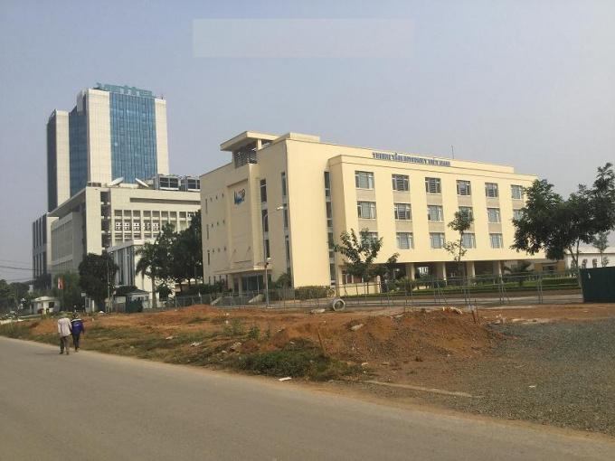 Bán 300m2 đất SĐCC góc 2 mặt tiền đẹp cạnh khu công nghệ cao Hòa Lạc, Thạch Thất, xây dựng tự do
