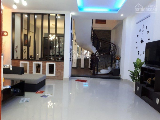 Bán gấp nhà Ký Con, Q1, góc Lê Thị Hồng Gấm, DT 4.5x18m, 5 tầng, thu nhập 60tr/th