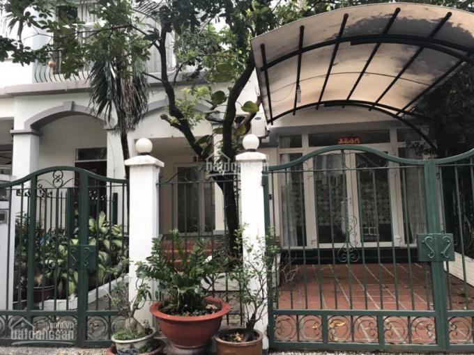 Cho thuê biệt thự phố vườn, Phú Mỹ Hưng, Q7, DT 8x18m, giá 30 triệu/tháng, LH. Mạnh 0909297271