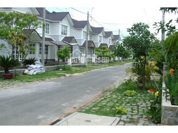 Bán biệt thự cao cấp khu Tuyết Anh, new 100%, ven sông, gần thành phố