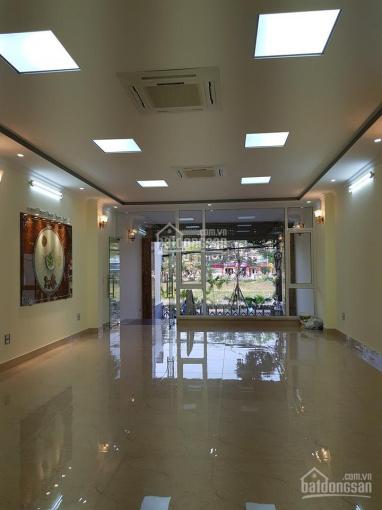 Cho thuê mặt bằng kinh doanh mặt phố lớn Nguyễn Khang tầng 1+2+3 mà giá chỉ 60tr (quá rẻ)