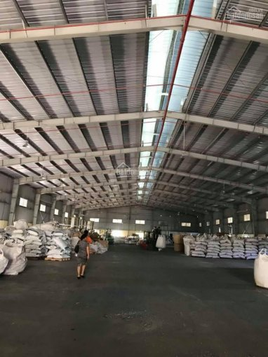 Cho thuê nhà xưởng 2800m2 tại Tân Uyên, Bình Dương. LH anh Giáp 0946002879