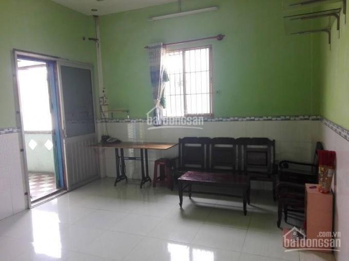 Bán căn hộ chung cư lầu 3 SHR mặt tiền đường Phùng Hưng, quận 5