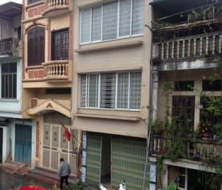 Bán nhà mặt phố Nghi Tàm, Yên Phụ, DT 107m2 giá 29,7 tỷ