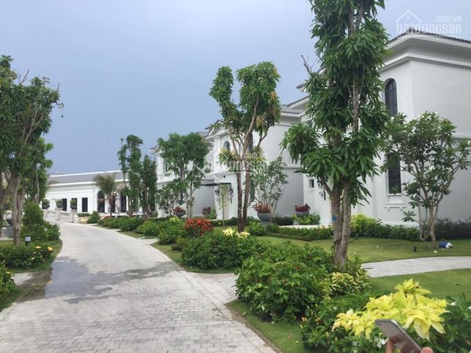 Bán biệt thự Vinpearl gần Nha Trang 360m2, cho thuê 180 triệu/tháng, sổ đỏ lâu dài LH 0903403079