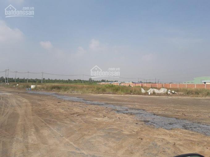 Cần cho thuê gấp lô đất 2ha (20.000m2) giá 30.000đ/m2 giáp cảng Phú Hữu. LH 0945825408