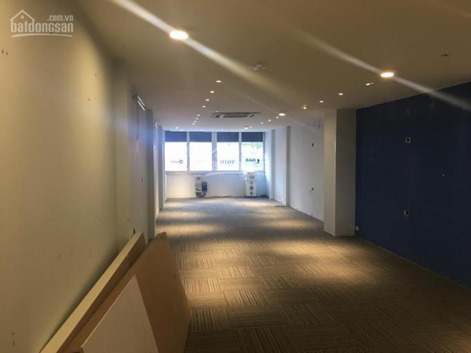 Chủ nhà cho thuê văn phòng diện tích 80m2 tại tầng 3 tòa nhà phố Thái Hà, LH 0974949562