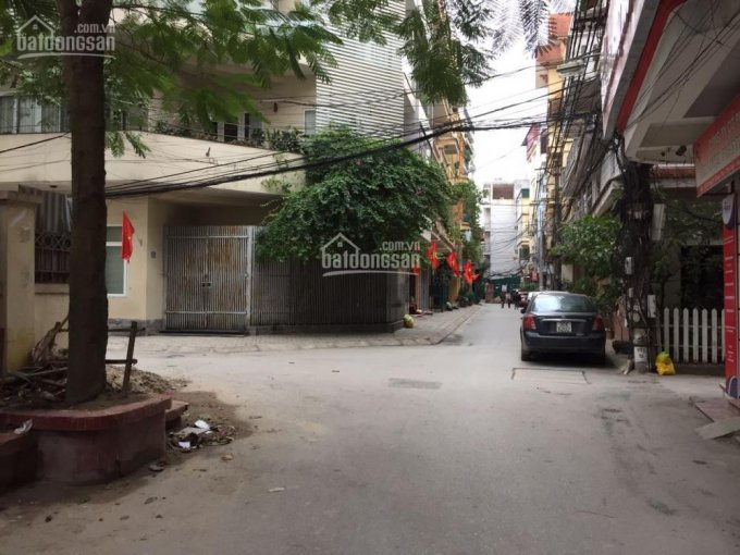 Chính chủ bán nhà ngõ ô tô tránh nhau, phố Võng Thị, gần Hồ Tây, Hà Nội, 58.6m2, 3,5 tầng, 9.25 tỷ