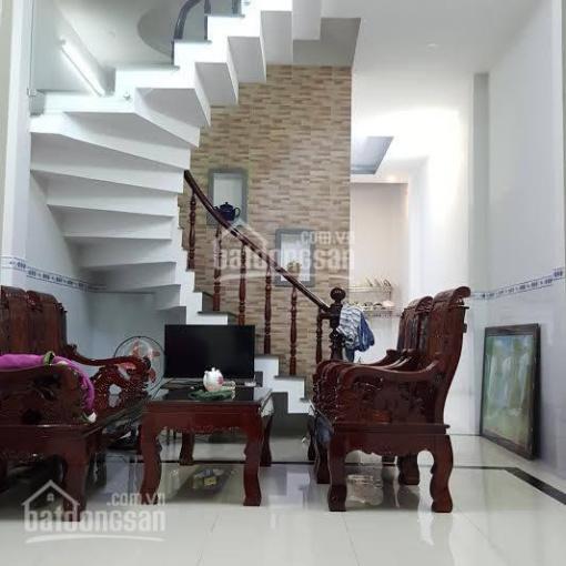 Bán nhà 2 tầng KK99, hẻm xe hơi sát mặt tiền chợ, giá chỉ 950tr, 0902331665 Trung