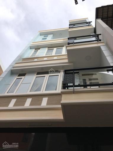 Chính chủ cần bán gấp nhà HXH đường Hoàng Hoa Thám, Q. Bình Thạnh (ô tô trong nhà)