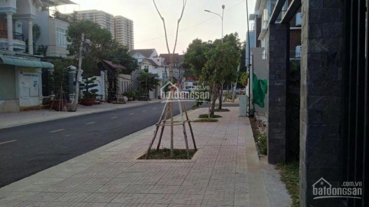 Cho thuê gấp nhà đất mặt tiền đường rộng đậu xe thoải mái, thuận tiện giao thông