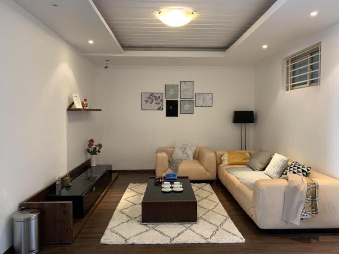 Gia đình cần chuyển nhượng căn hộ Kinh Đô Tower 93 Lò Đúc, 98m2, full nội thất cao cấp, tầng 12