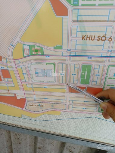 Lô góc ngã tư Hoà Sơn 6 vị trí chợ, giá 4tỷ, DT 144m2 đường 7.5m. LH 0905.556.909