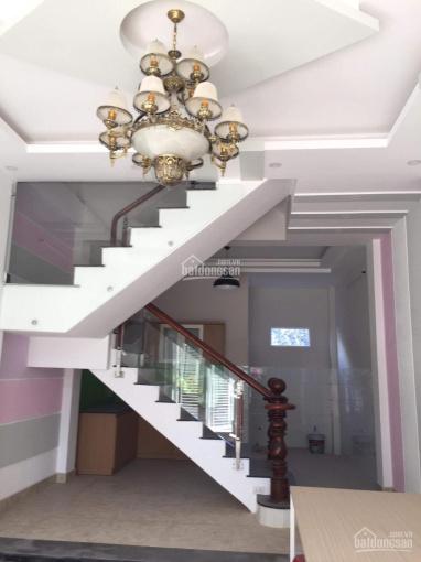 Nhà 2 lầu mới xây đối diện Vincity Quận 9, bao sang tên sổ hồng