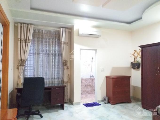 Bán nhà mặt đường Phạm Huy Thông, giá 3,6 tỷ. LH: 0904.435.433