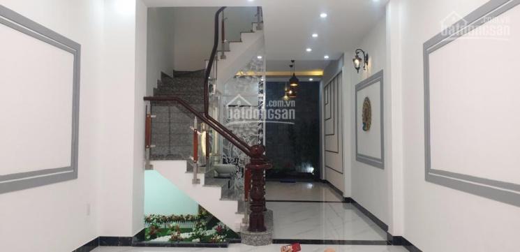 Bán nhà mới MTNB Bình Phú, 4x15m, ngay sát Trần Văn Kiểu 1 trệt 2 lầu ST