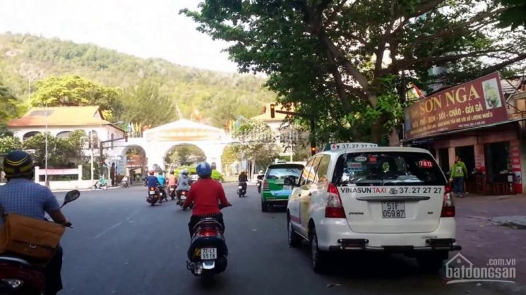 Chính chủ bán nhanh lô đất mặt tiền đường Nguyễn Trường Tộ, 540 m2 giá 70 triệu/m2