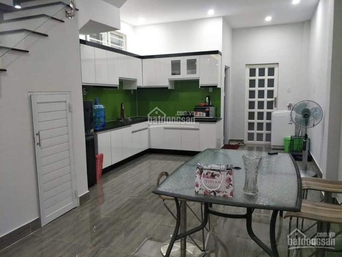 Cần bán nhà 1 trệt 1 lầu Phú Thọ, 93m2 nở hậu, 2PN, 2WC gần khu biệt thự Tiamo, LH 0911645579