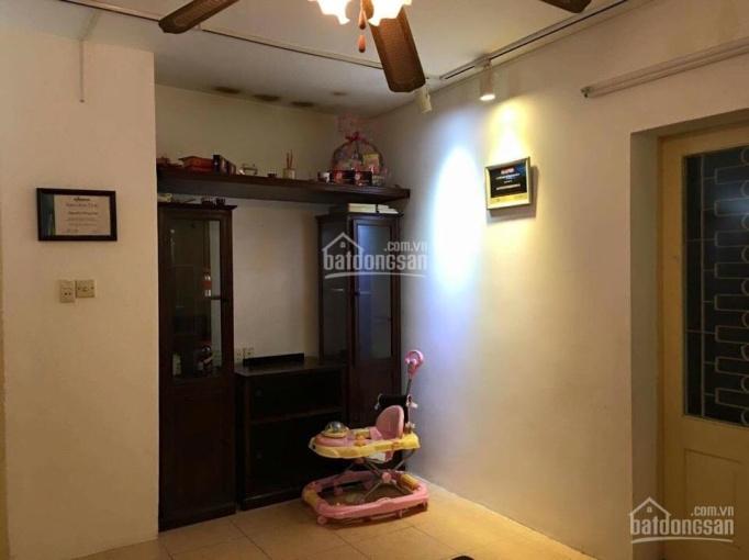 Cho thuê nhà phân lô Hoàng Sâm, Cầu Giấy 5 tầng, giá 15 tr/th ô tô đỗ cửa đường rộng 6m
