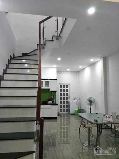 Hot - cần bán nhà 1 trệt 1 lầu, Phú Thọ, 2 tỷ 8, gần khu biệt thự Tiamo. LH 0911645579