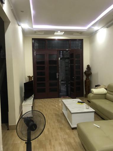 Cho thuê nhà riêng phố Lương Khánh Thiện, Tân Mai, nhà 50m2 x 3,5 tầng, full đồ, giá 10 tr/th