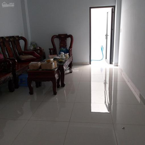 Cho thuê nhà nguyên căn đường CMT8, P. Bến Thành Q.1, 4x12m - 3 lầu 8PN giá 40 triệu LH 0903936178