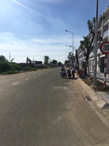 Bán gấp 2 nền đất Nguyễn Thị Nhung, Thủ Đức giá 2.3tỷ/nền DT 90m2, SHR, thổ cư 100%. Alo 0906873743