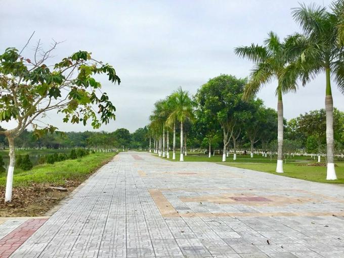Cần tiền bán gấp lô 114m2 ngay mặt tiền đường lớn trong khu Swan Park, Phú Thịnh, LH 0902513911 ảnh 0